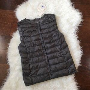 NWT Uniqlo Ultra Light Down Vest